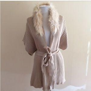 Jennifer Lopez faux fur collar sweater